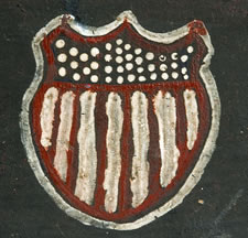 FOLK-PAINTED, 19TH CENTURY VIOLIN CASE, WITH EXCEPTIONAL FOLK FLAG AND SHIELD, MEXICAN WAR - CIVIL WAR ERA (1845-65)